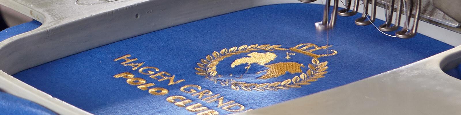 Hochwertige Stickerei auf Textilien